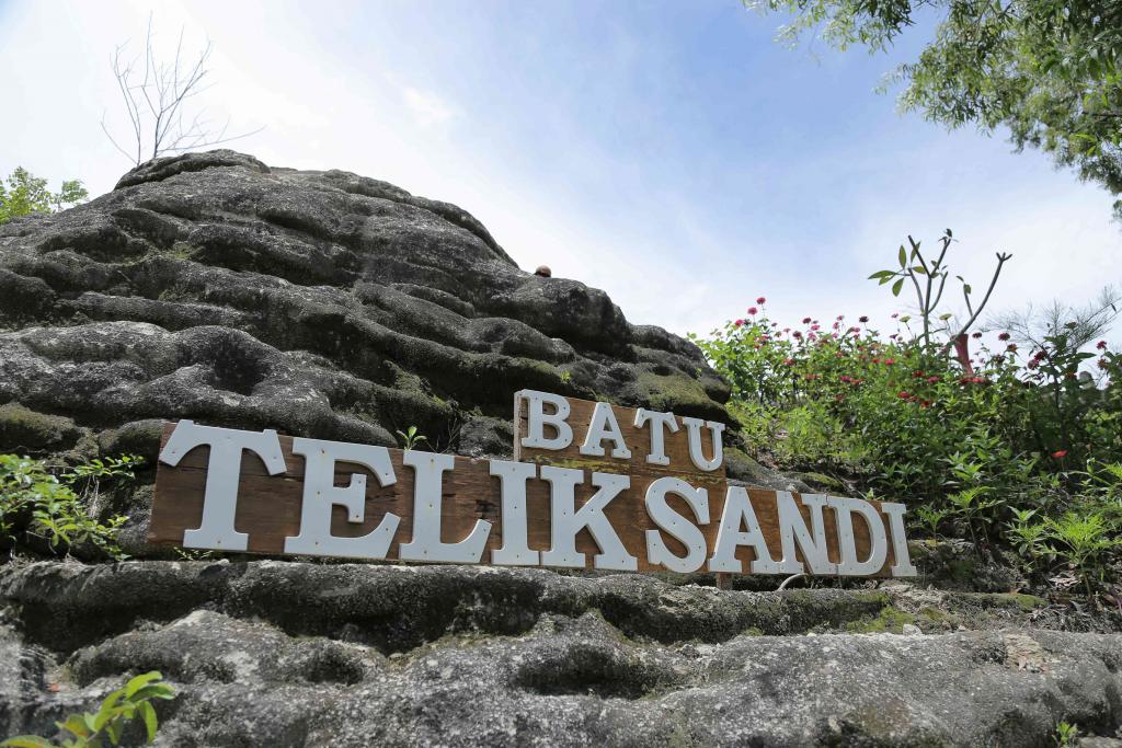 Batu Teliksandi Diponegoro